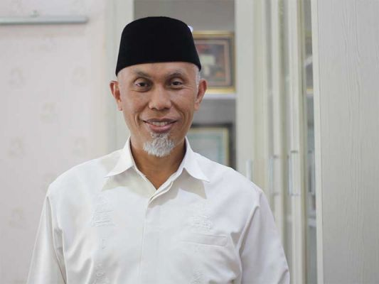 Ketua Masyarakat Ekonomi Syariah (MES) Sumatera Barat Mahyeldi Ansarullah. Foto : Internet