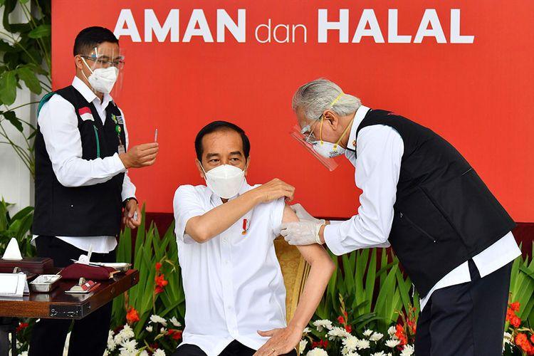 Jokowi meenjadi orang pertama yg divakdin. Foto : kompas